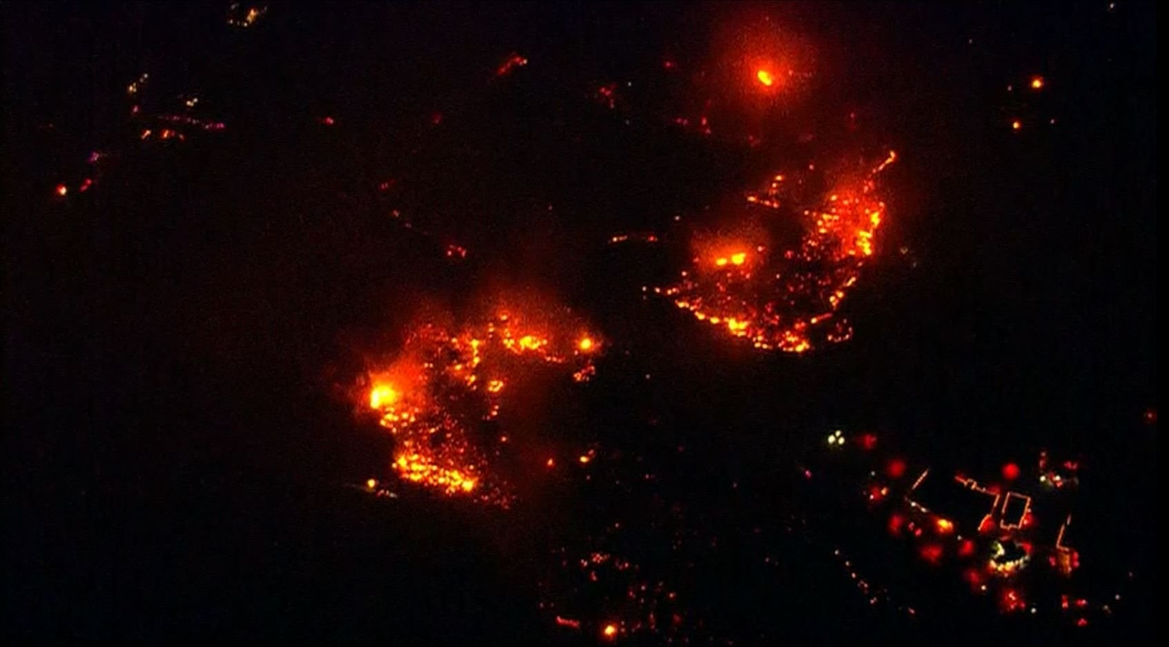 Woman accused of looting home affected by San Diego wildfire