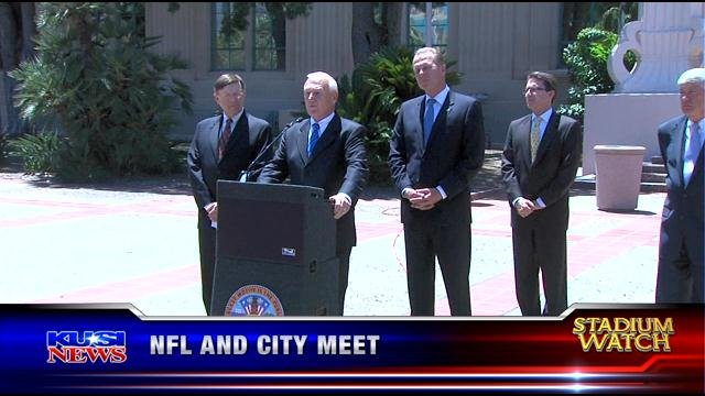 NFL meets with city officials