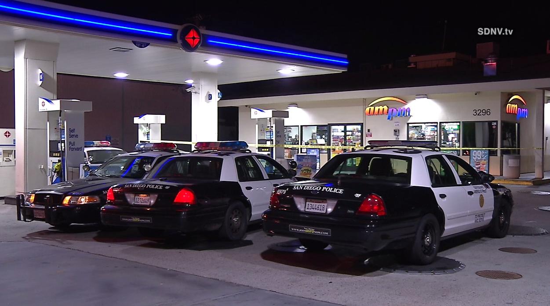 Police: Same masked gunman behind 2 gas station holdups | Dayton